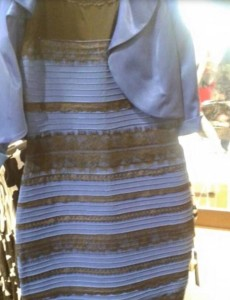 Kleid blau oder weiss